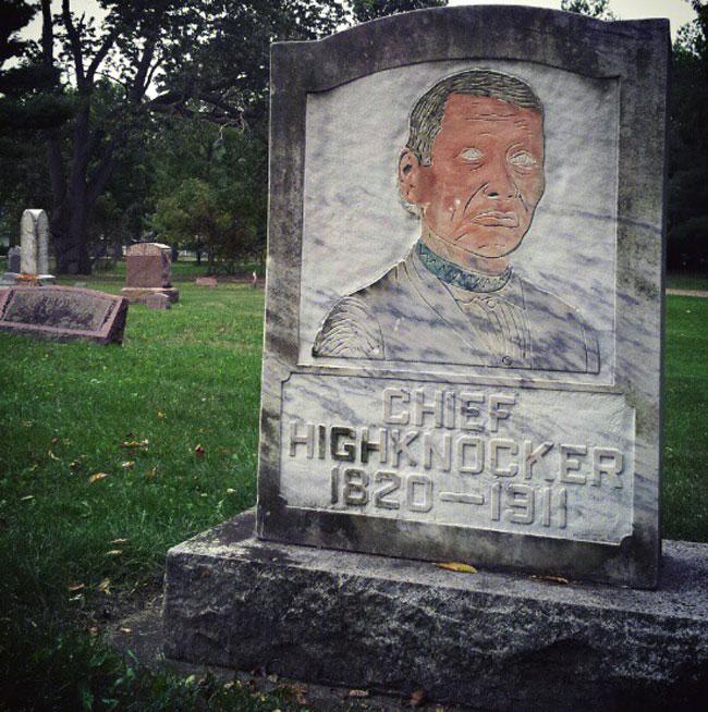 The grave of Chief Highknocker in Dartford Cemetery